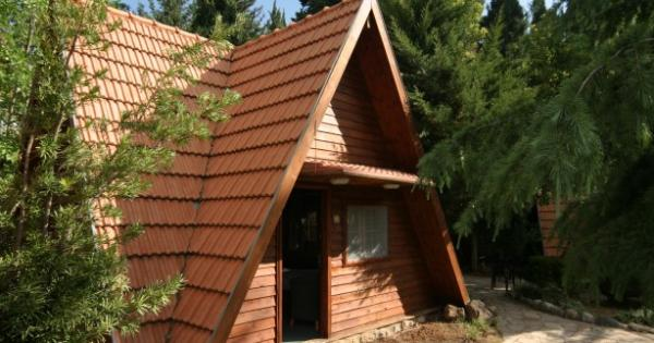 Holzbungalow in Neve Ativ